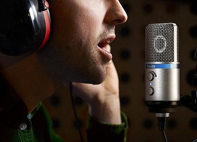 Выбор голоса для создания аудиоролика